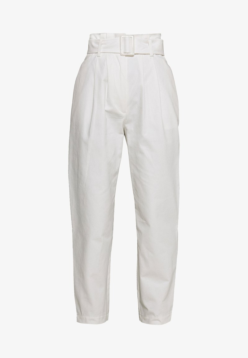 Lost Ink - BUCKLE BELTED PEG TROUSER - Pantalones - white
