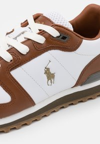 Polo Ralph Lauren - CLASSIC RUNR - Trainers - white/saddle - 6
