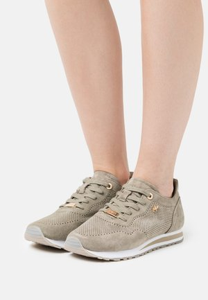 CIRSTEN - Trainers - taupe