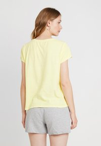 GAP - TEE - Print T-shirt - fresh yellow - 2