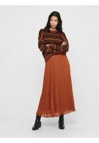 ONLY - Pleated skirt - ginger bread - 2