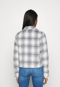 ONLY - ONLLOU SHORT CHECK JACKET - Summer jacket - pumice stone/allure - 2