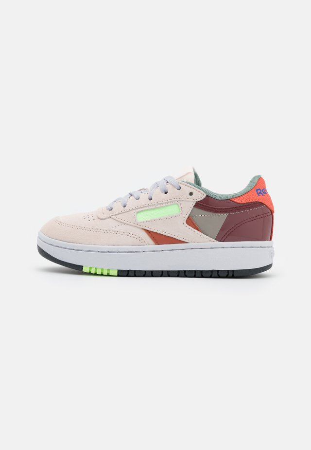 CLUB C DOUBLE - Sneakers laag - ceramic pink/boulder grey/twisted coral