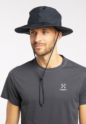 Hat - true black