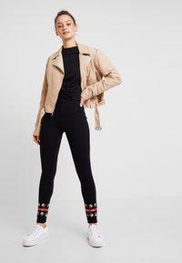 Desigual - PANT AMANDA - Leggings - black - 1