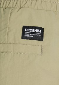 Dr.Denim - MIGO - Shorts - green agate - 2