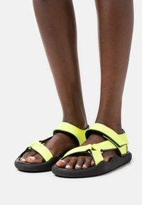 Christopher Kane - FLAT STRAP - Sandals - neon yellow - 0
