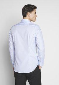 Seidensticker - BUSINESS KENT - Formal shirt - light blue - 2