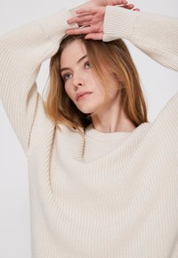 Marc O'Polo - LONGSLEEVE ROUND NECK - Jumper - natural white - 3