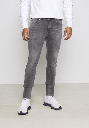 SKINNY - Slim fit jeans - grey