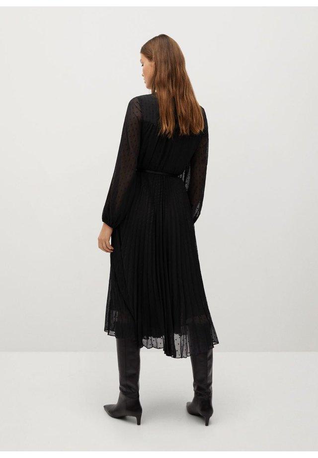 SLIM FIT - Day dress - schwarz