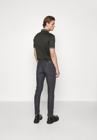 Emporio Armani - POCKETS PANT - Slim fit jeans - nero - 2