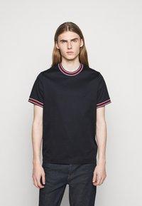 Michael Kors - LOGO TAPE TEE - Print T-shirt - midnight - 5