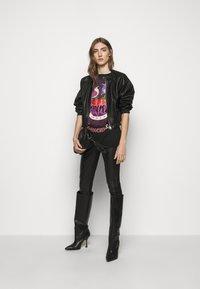 Pinko - GEROLAMO - Print T-shirt - black - 1