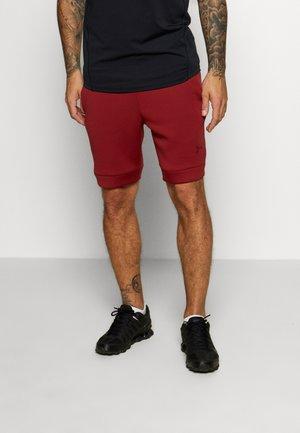 MOVE SHORT - Pantalón corto de deporte - cordova