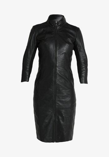 FIRE - Pouzdrové šaty - black