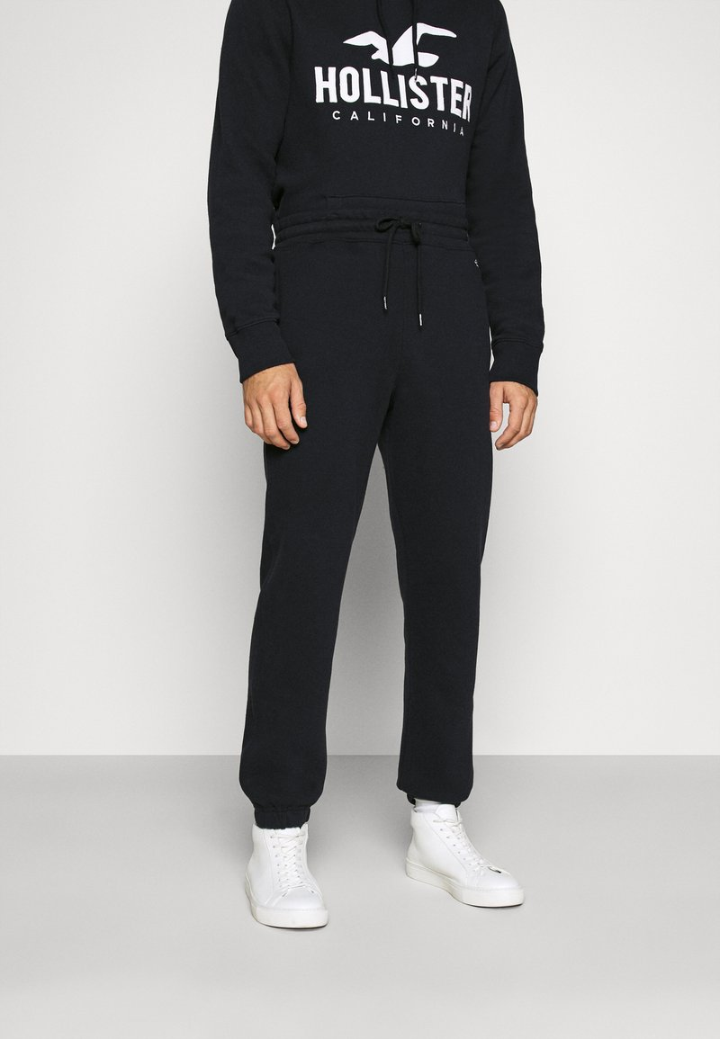 Hollister Co. - RELAXED JOGGER - Spodnie treningowe - black
