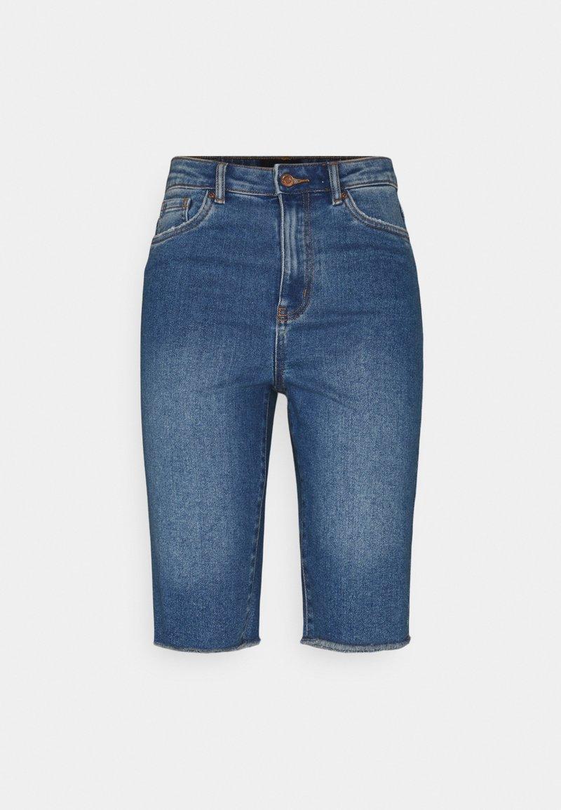 Vero Moda Tall - VMLOA FAITH  - Shorts di jeans - medium blue denim