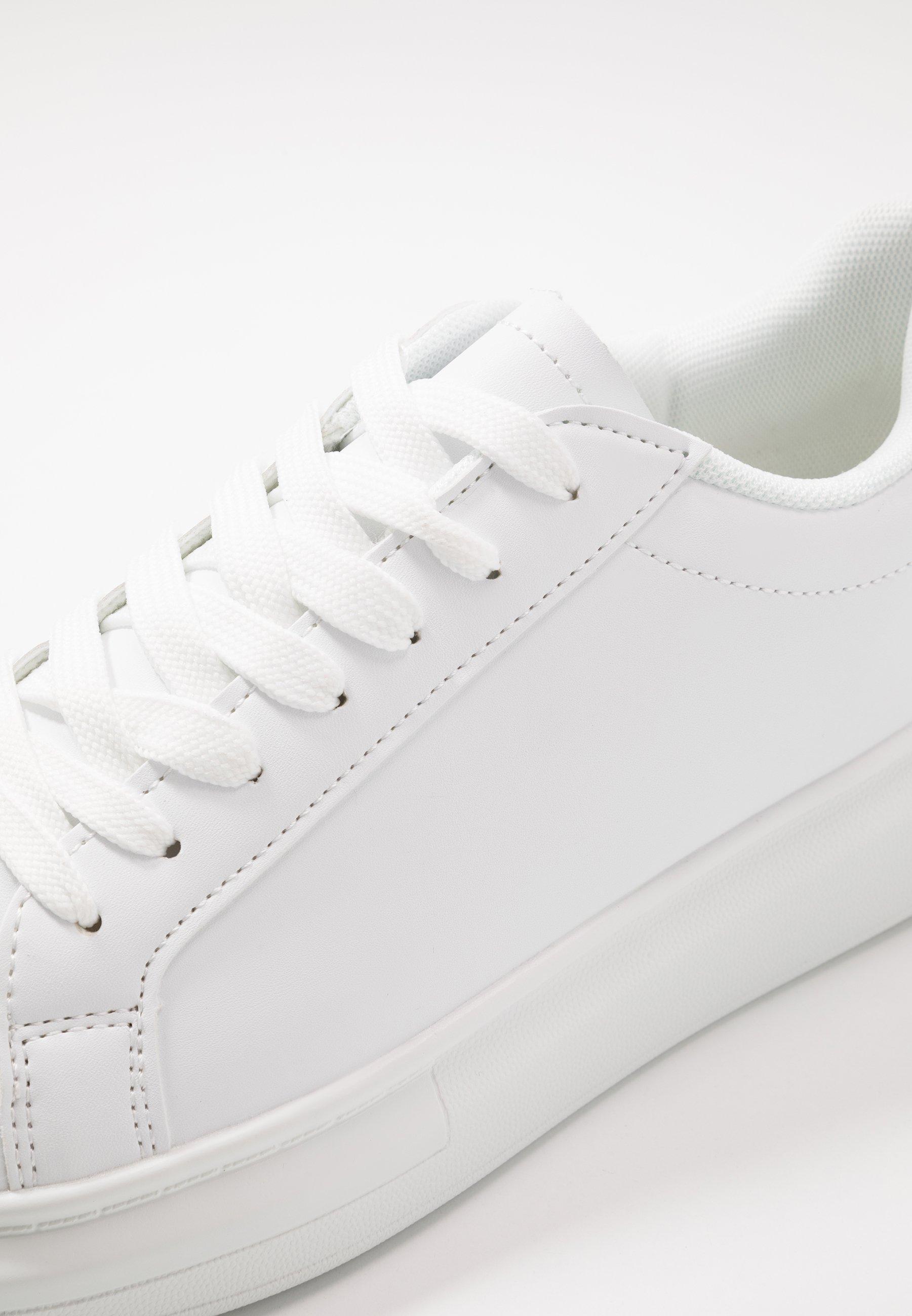 ROYAL Sneakers whiteblack