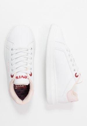 ELLIS - Slip-ons - white/pink