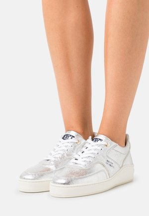LOWTOP - Trainers - silver