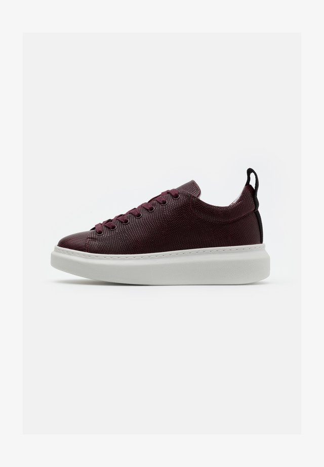 DEE  - Sneakers basse - bordeaux/lizard