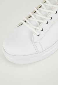 DeFacto - Sneakers basse - white - 5