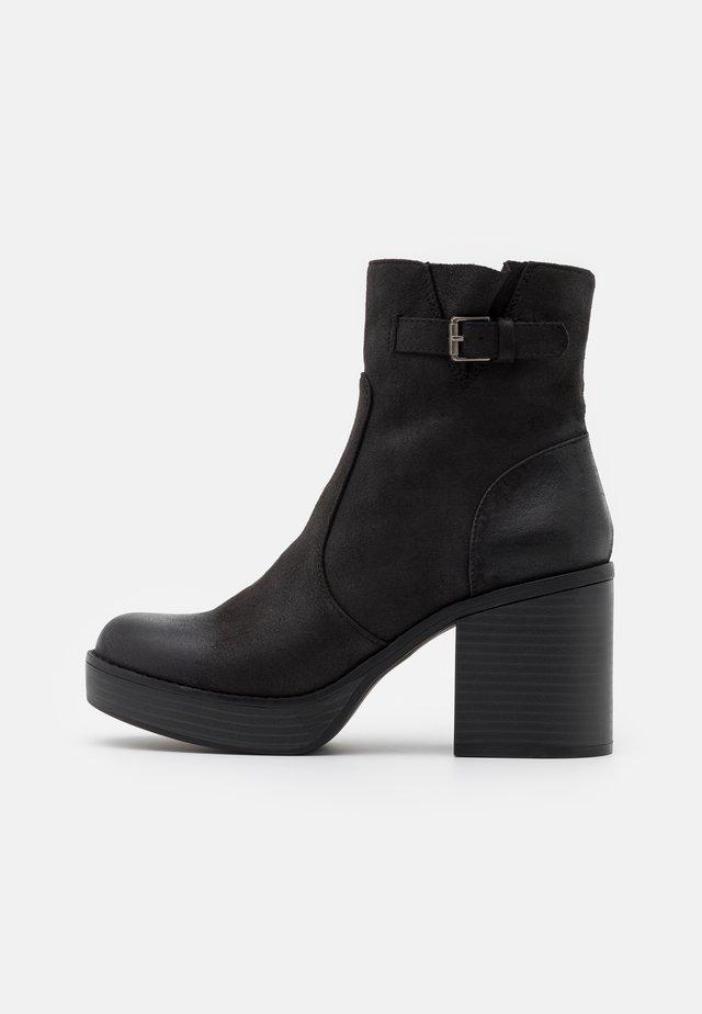 NEWSESENTA - Kotníkové boty na platformě - black