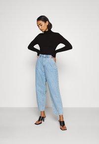 Anna Field Petite - Stickad tröja - black - 1