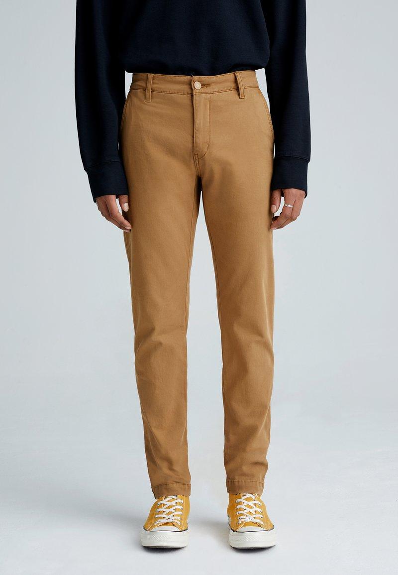 Levi's® - XX CHINO STD II - Pantalon classique - desert boots shady