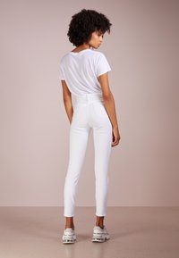 J.CREW - Slim fit jeans - white - 2