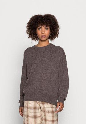 LEAH SWEATER - Stickad tröja - brown melange