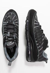 Nike Sportswear - AIR MAX 98 - Sneakers laag - black/smoke grey/vast grey/white - 1