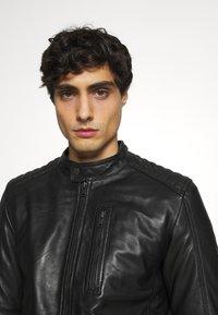 Serge Pariente - RANDALL WITH HOOD - Leather jacket - black - 5