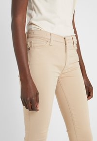 7 for all mankind - CROP - Jeans Skinny Fit - sandcastle - 3