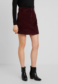 Vero Moda - VMKARINA A-SHAPE SHORT - A-Linien-Rock - port royale - 0
