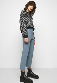 By Malene Birger - VIGGIE - Trousers - faded dove - 3