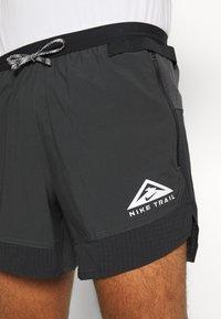 Nike Performance - TRAIL - Shorts outdoor - black/dark smoke grey/white - 3