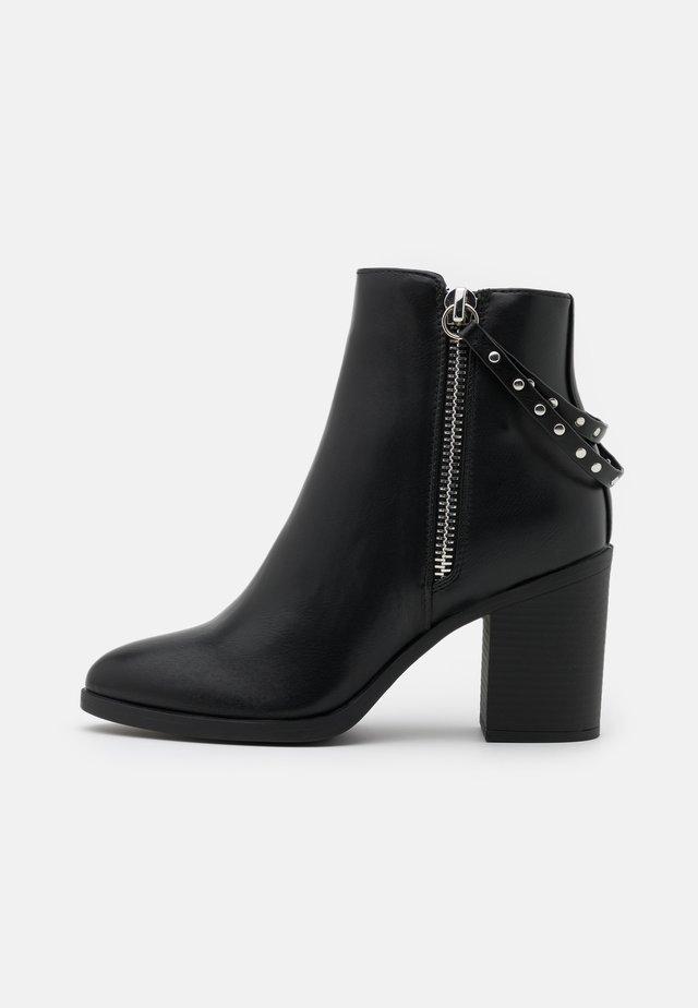 ONLTALEEN ZIPPER   - Korte laarzen - black