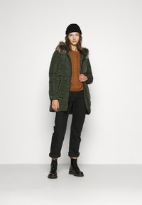 ONLY - ONLNEWMINEA QUILTED HOOD COAT - Parka - rosin - 1