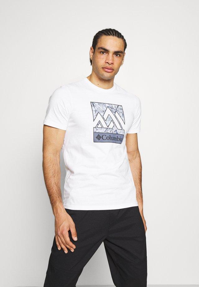 RAPID RIDGE™ GRAPHIC TEE - Camiseta estampada - white triple peak