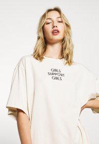 Monki - TORI TEE - T-shirts med print - white - 3