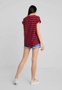 Vila - VIDREAMERS PURE  - Print T-shirt - racing red/tawny port total eclipse - 2