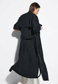 Massimo Dutti - Trenchcoat - black - 1