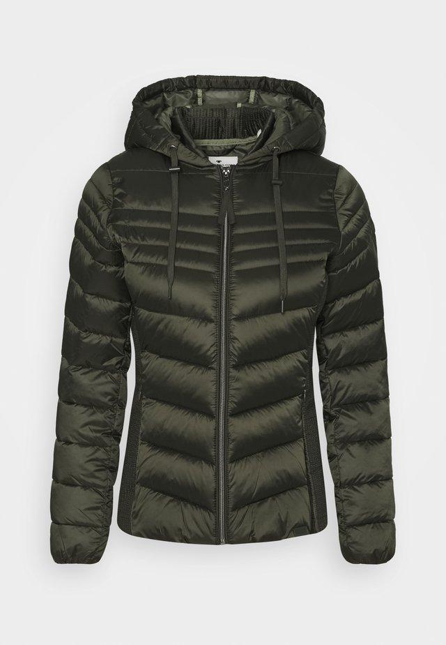 Winterjacke - dark rosin green