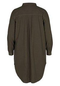 Zizzi - MIT BRUSTTASCHEN - Button-down blouse - green - 7