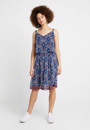 ONLNINA ABOVE KNEE DRESS - Robe d'été - insignia blue