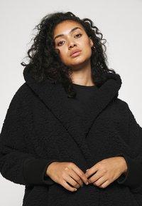 Noisy May Curve - NMCUDDLE COATIGAN - Fleece jacket - black - 3