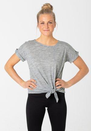 W KNOTTED TEE - Print T-shirt - grau