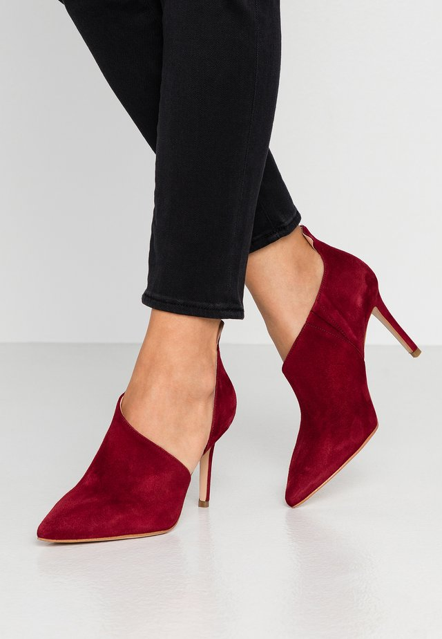 Zapatos altos - dark red
